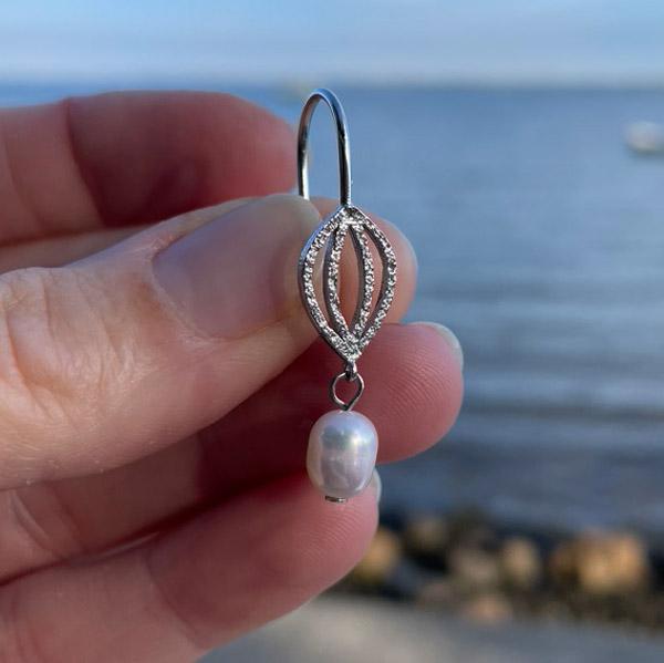 størrelsesforhold på rå perleøreringe