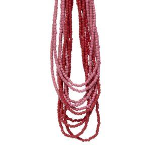 Halskæde med træperler i røde nuancer